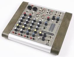 Table de mixage compact 4 Soundcraft